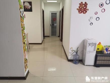 出售胜宏辰轩3室2厅1卫125平米120万住宅