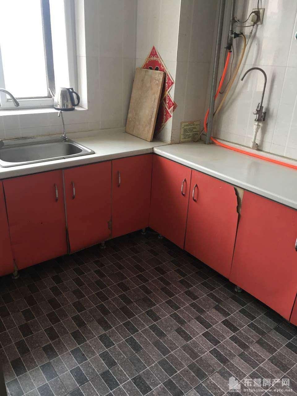 科达E区科达颐家5楼110平三室 年租1.6万 空调家电家具齐全 拎包入住