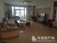 出租:安兴北区5楼 阁楼210平4室2厅3卫 年租2.1万 家电、家具齐全