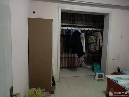 供销家属区两室一厅24.8万南北通透黄河中学公交站牌