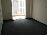 金融小区六楼176平4室2厅2卫带地下室和车位140万