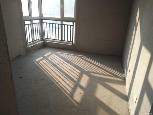 格林枫景联排别墅带前后院290平265万 毛坯 带前后院90平 带车库
