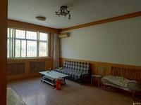 美滨花园1楼105平三室两厅一卫简装地下室证满5年61万